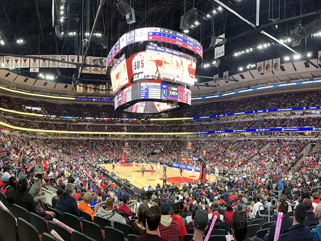 Pantalla gigante para los Bulls y Blackhawks en 2019-2020
