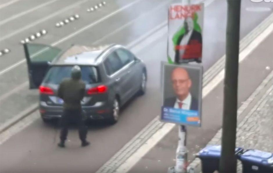 Hombre armado transmite en vivo ataque a sinagoga en Alemania; al menos dos muertos