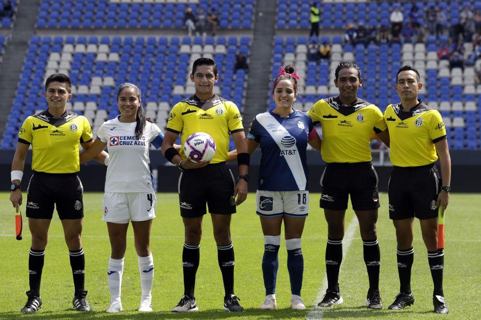 Jugadoras del Puebla denuncian que árbitros les revisaron la ropa interior