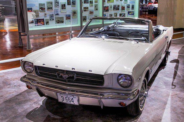 El primer dueño de un Ford Mustang en el planeta lo sigue conservando