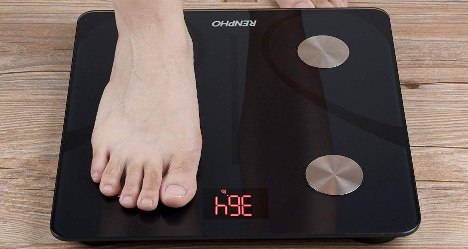 4 balanzas digitales inteligentes para monitorear tu peso en casa