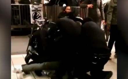 NYPD la emprende contra otro vendedor ambulante: esta vez fue en estación del Subway en Manhattan