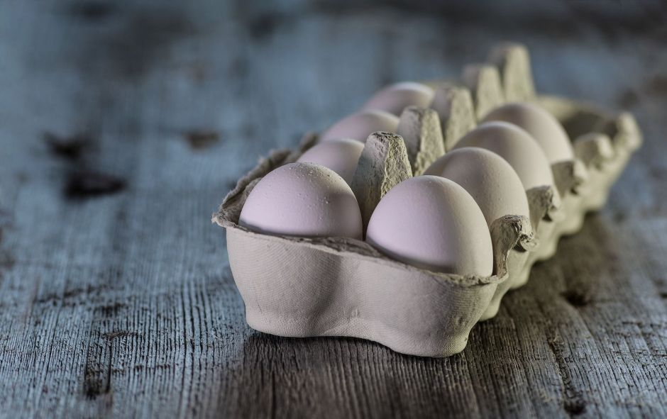 Muere al tratar de cumplir reto de comer 50 huevos
