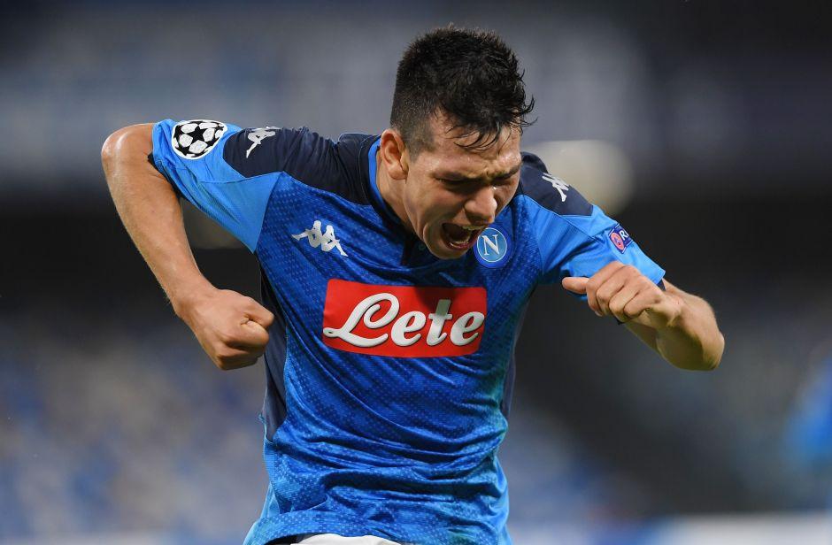 Ahora son los fans: 'Chucky' y el Napoli son acosados con consignas y petardos afuera de su entrenamiento