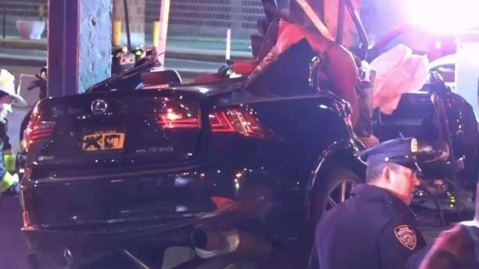 Un policía muerto y 2 heridos graves: mujer pierde una pierna en horrible accidente vial en Manhattan