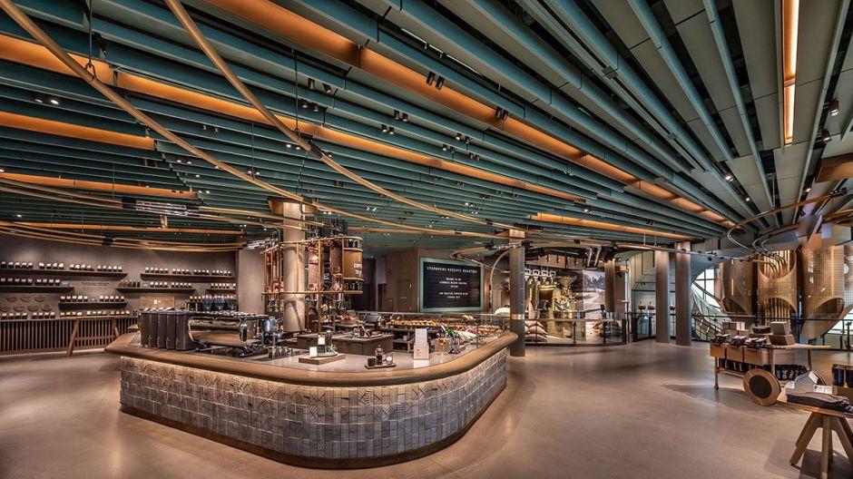 Abren el Starbucks más grande del mundo en Chicago