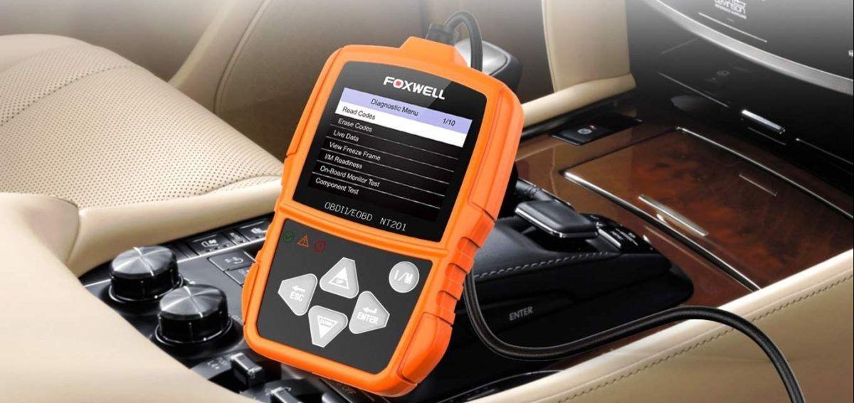 3 escáners de códigos para autos que puedes usar por ti mismo en caso de averías