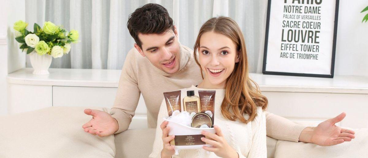 4 cestas de regalo con fragancias de spa para regalar en navidad a esa persona especial