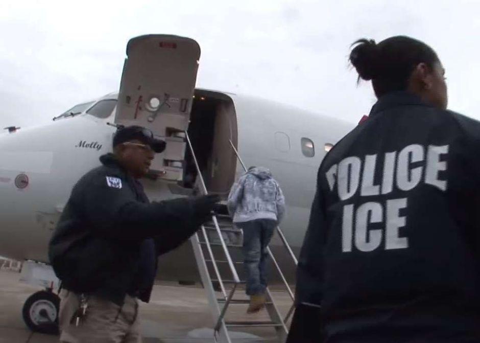 ICE deporta a hispano que era testigo clave en demanda por edificio que colapsó