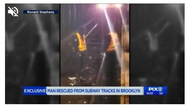 Rescatan a discapacitado que cayó a los rieles del Metro de Nueva York