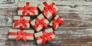 6 ideas de regalos de navidad por menos de $20 que te sacarán de más de un apuro