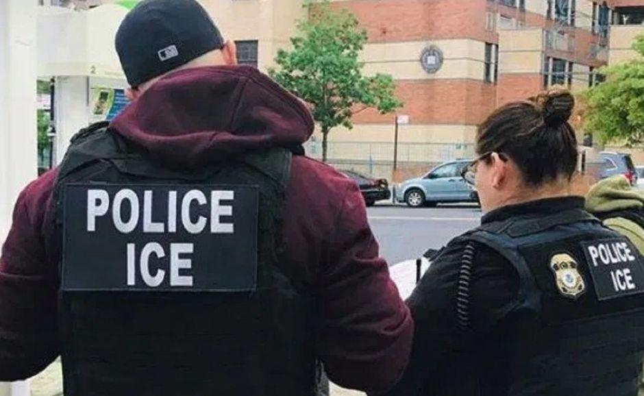 Alertan por aumento de arrestos de ICE en cortes de Nueva York; activistas presionan a legisladores a aprobar ley