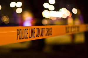 Autoridades buscan a un pistolero que causó al menos 1 muerto y varios heridos en Seattle