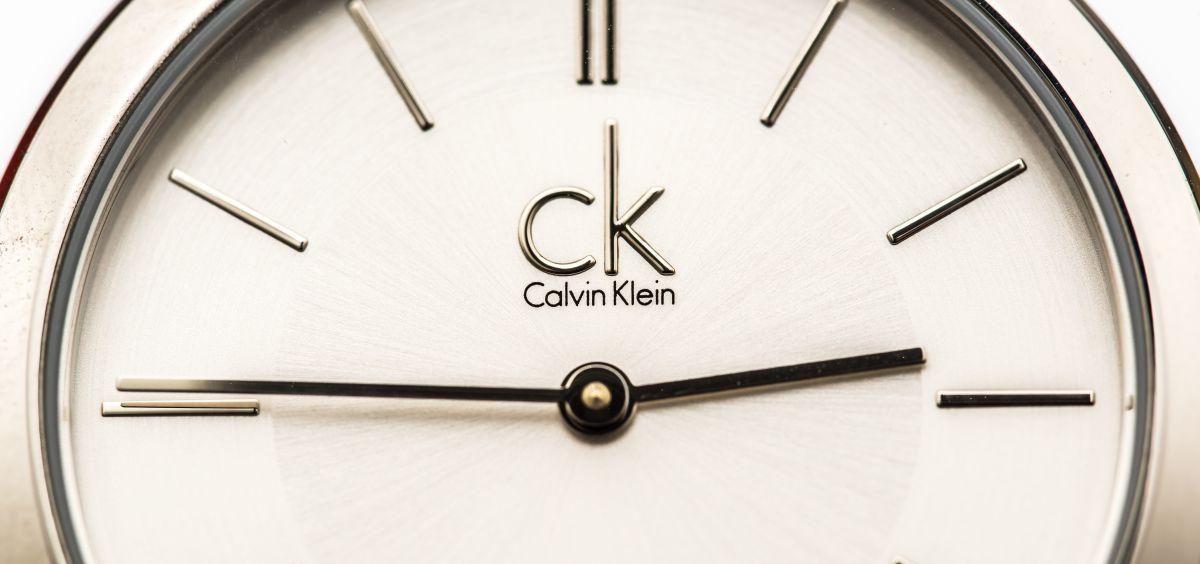 Relojes Calvin Klein de mujer por menos de $65