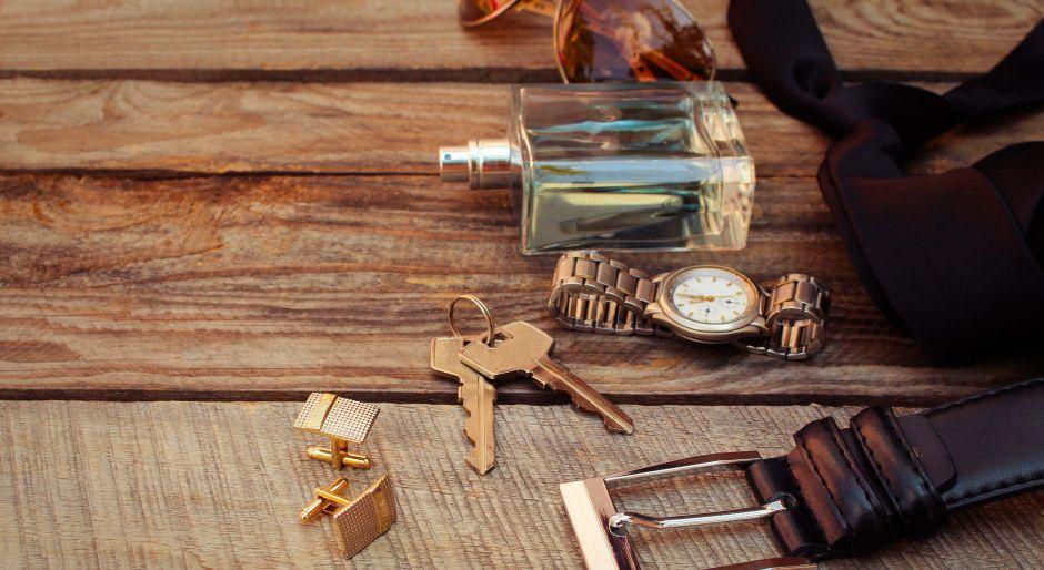 4 perfumes con fragancias de maderas para hombres clásicos y seductores