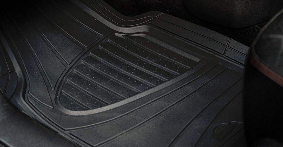 Los 4 mejores juegos de alfombras para autos de tamaño universal