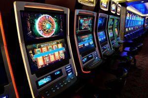 Mujer afirma que ganó $8.5 millones en un casino de Oklahoma ¡pero no quieren pagarle!