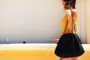 Ahorra hasta un 47% de descuento por el Black Friday en carteras de marca para mujer