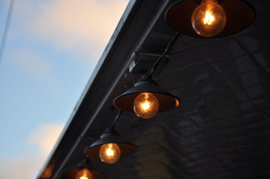 Conoce todo sobre las bombillas inteligentes y descubre si las necesitas en tu hogar