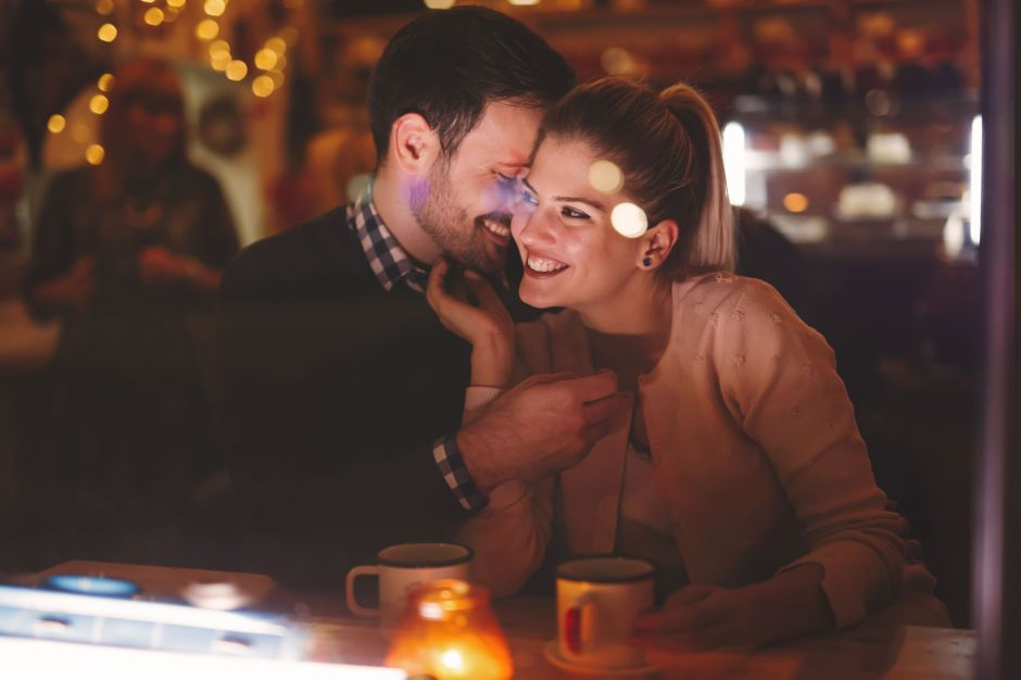 San Valentín: ¿Por qué no es buena idea tener sexo después de cenar?
