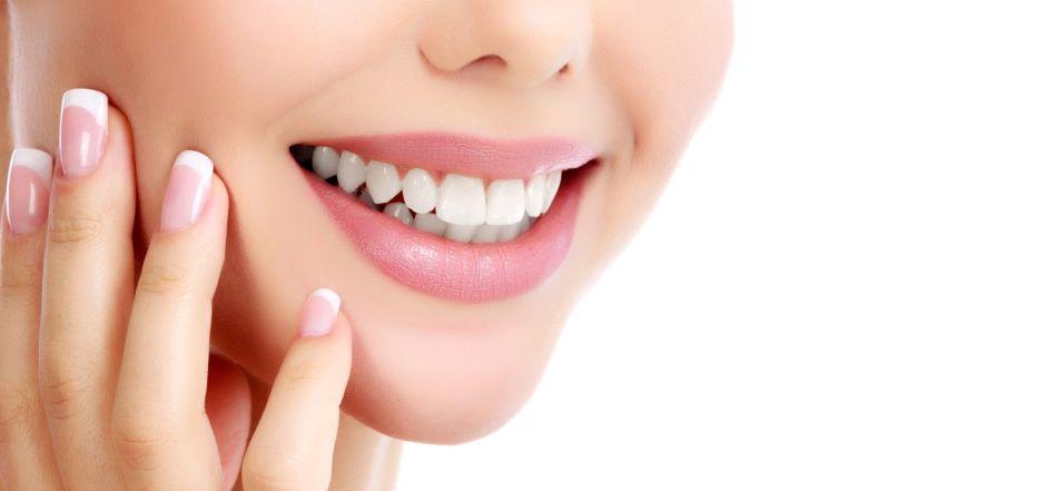 ¿Cómo el carbón activado ayuda a blanquear tus dientes?