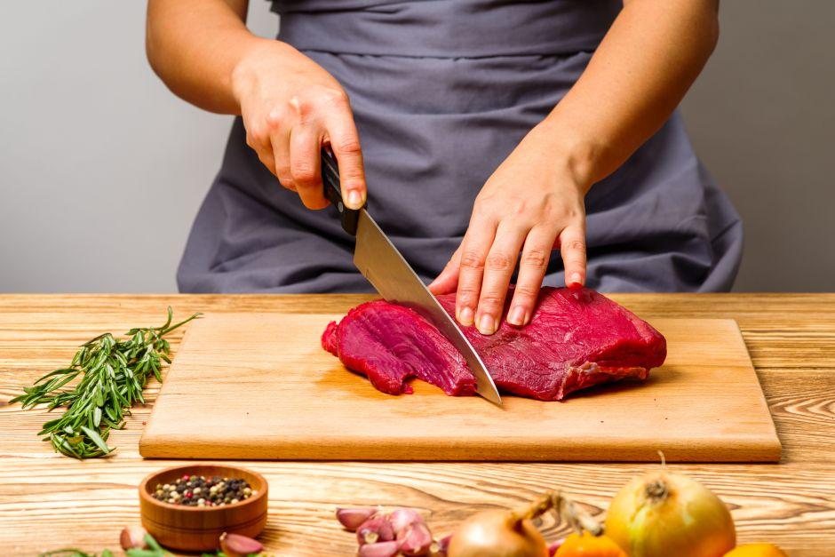 El consumo de carne roja y blanca produce niveles de colesterol similares