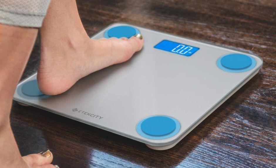 5 balanzas de baño que te ayudarán a monitorear tu peso constantemente