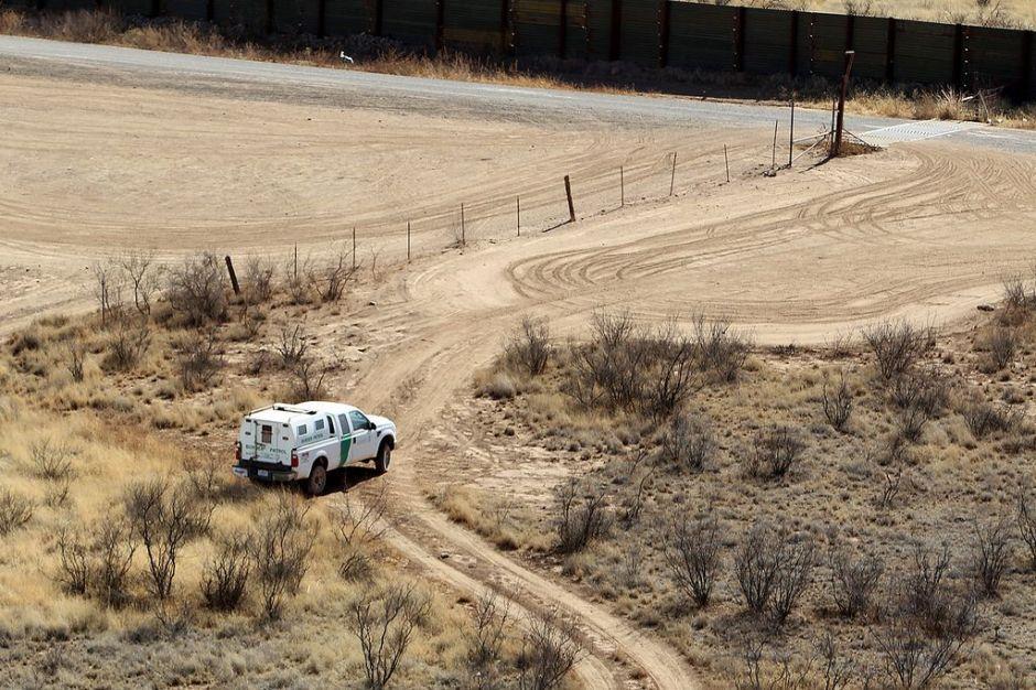 Inmigrante sobrevive 6 días perdido en el desierto tras cruzar la frontera