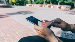 Cómo desinfectar tu teléfono inteligente