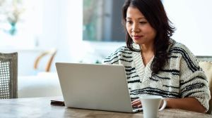 ¿Estás trabajando en casa debido al COVID-19? Estas ideas de tecnología pueden hacer que sea más fácil