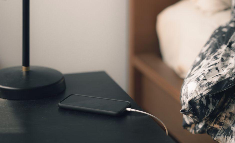 Las mejores lámparas de mesita de noche con salida USB para conectar tus electrónicos