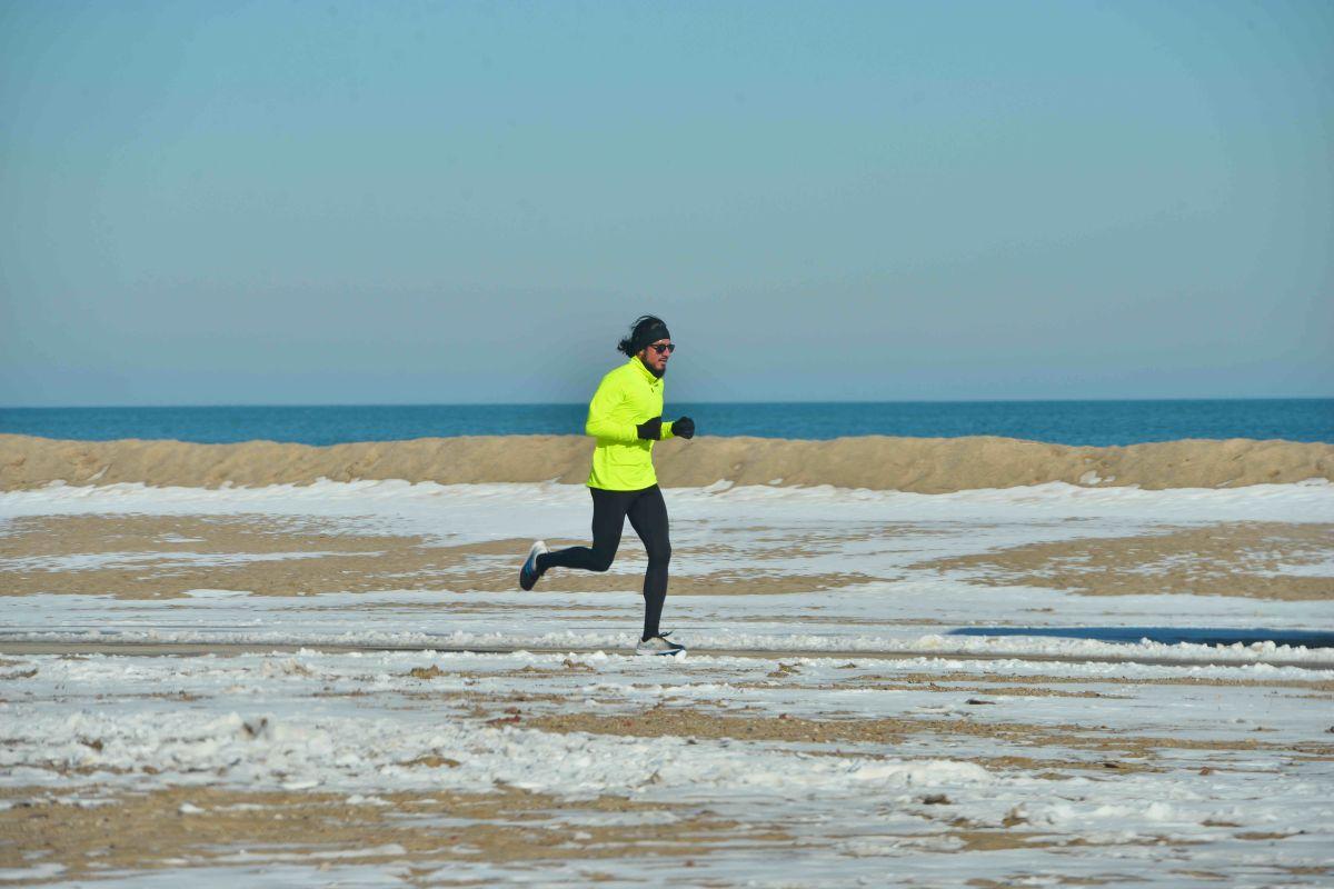 Chicago Road Runners pidió a sus corredores que entrenen aislados. (Javier Quiroz / La Raza)