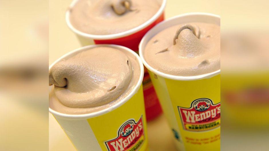 Wendy's te da GRATIS Jr. Frostys en tus órdenes por drive-thru