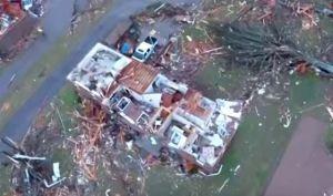 Esta pareja se salvó del tornado de Nashville, Tennessee, gracias a las alertas de sus celulares