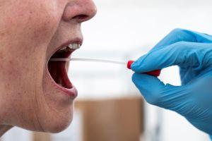 Mujer llevaba 3 semanas en cuarentena, pidió el súper por internet y terminó contagiada de coronavirus