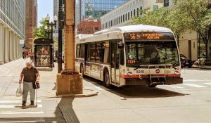 Establecen nuevas normas de seguridad ante coronavirus en autobuses de Chicago
