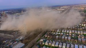 La Villita y Pilsen afectados por nube de polvo producida por demolición en planta de carbón