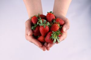 5 alimentos altos en vitamina C para mantener su sistema inmunológico en óptimas condiciones.