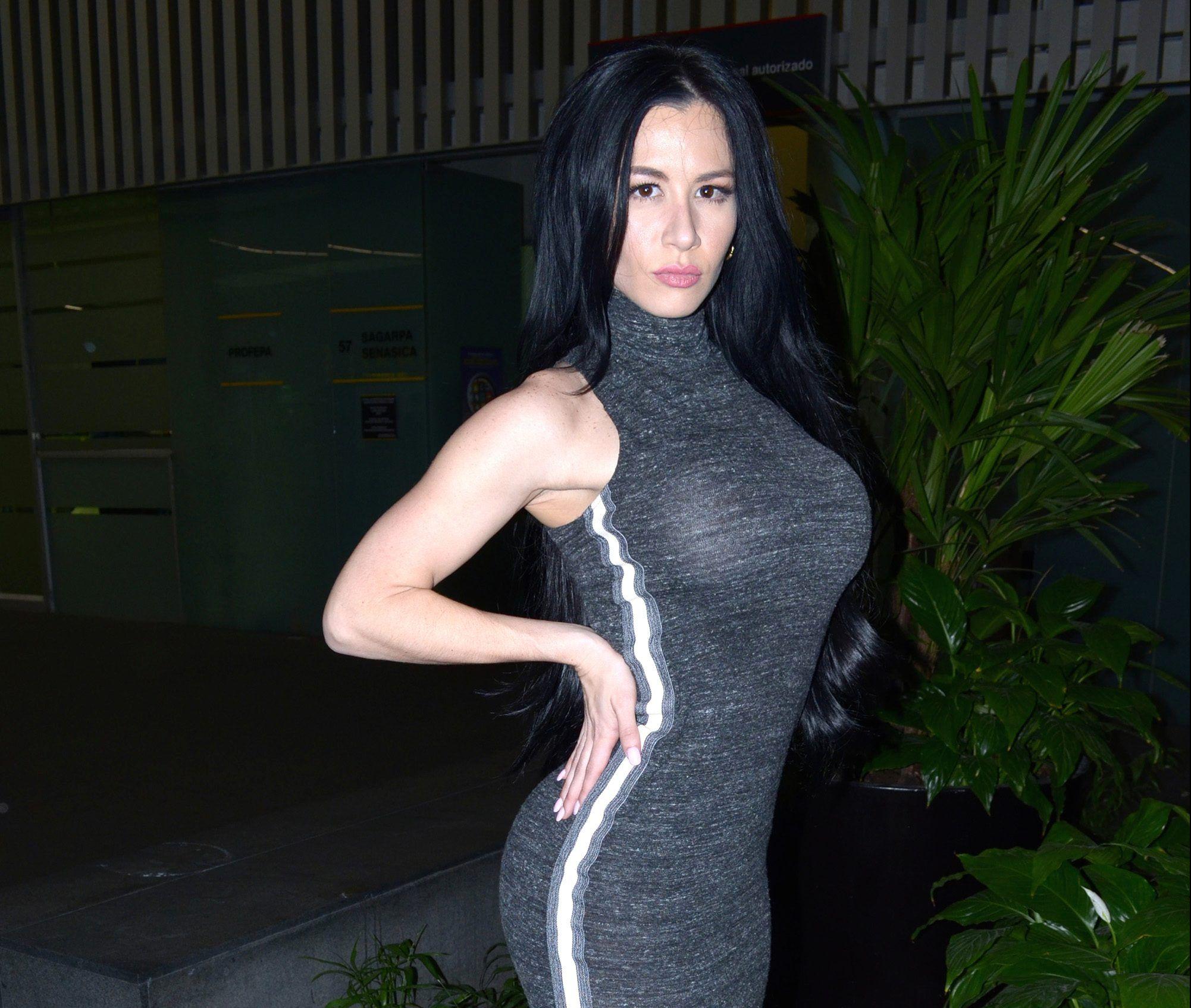 Diosa Canales desata polémica por no mostrar su pancita de