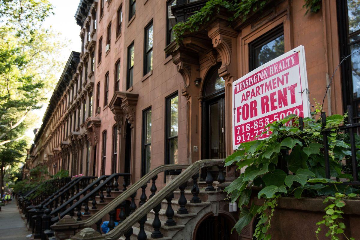 Alertan sobre anuncios falsos sobre alquileres de casas en el área de Chicago y suburbios.