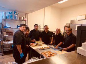 Empresarios latinos de Chicago luchan para salvar sus negocios durante la pandemia de coronavirus