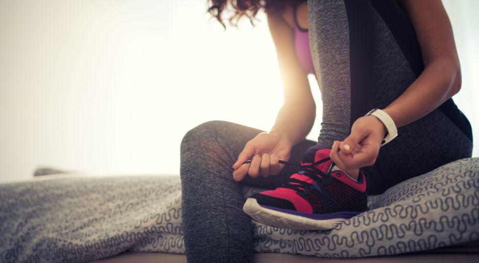 6 zapatos deportivos de mujer para hacer rutinas de ejercicios en casa
