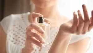 4 perfumes para oler rico aunque sea para estar todo el día en tu casa