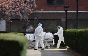 Las 100,000 muertes por coronavirus probablemente se alcanzaron antes de lo anunciado
