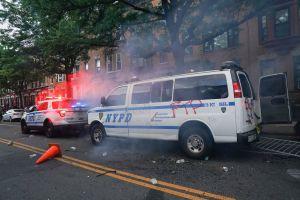 VIDEO: NYPD enfrenta severas críticas por aventar camioneta a manifestantes por Floyd