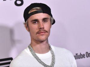Atacan a Justin Bieber en redes tras su polémica felicitación de cumpleaños para Chris Brown
