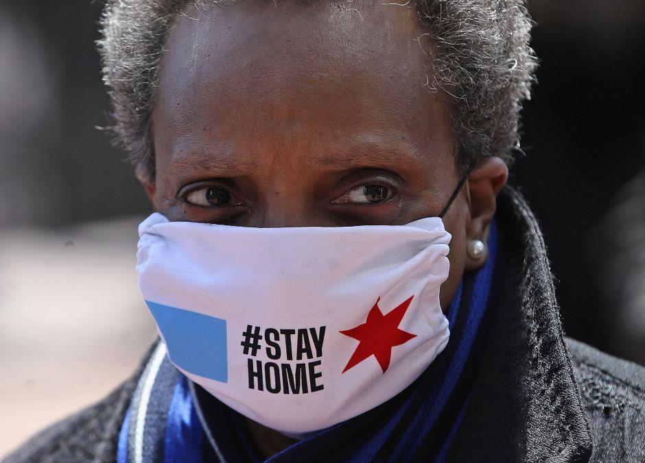 Crean fondo de ayuda a residentes de Chicago excluidos del cheque de estímulo federal por coronavirus