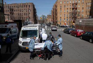 Demanda: vecinos piden $5 mil millones tras más de 1,200 muertos por coronavirus en edificios NYCHA