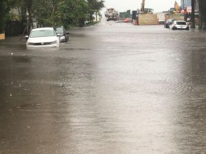 Siguen las alertas por inundaciones en Miami por las fuertes lluvias torrenciales