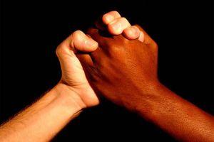 Las familias negras reviven charlas con sus hijos sobre el racismo y qué hacer si la policía los detiene